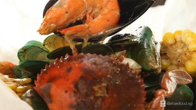 CrabInTheBag-Seafood-boil-broth