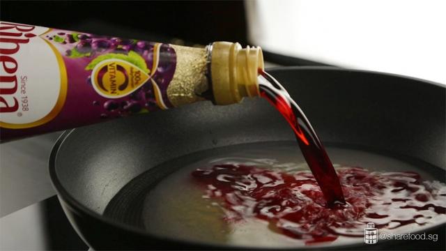 Ribena-blackcurrant-milk-pudding-jelly-making