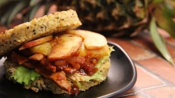 Fusion Pineapple Apple Rice Burger 凤梨苹果汉堡
