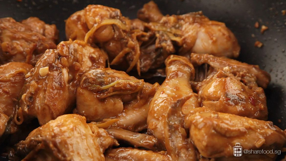 Cooking of the Tau Cheo Chicken