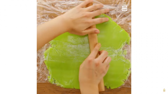 Roll out the dough in between two layers of clingwrap
