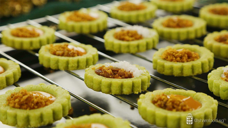 Ondeh-ondeh-cookies-coconut-gula-melaka-topping