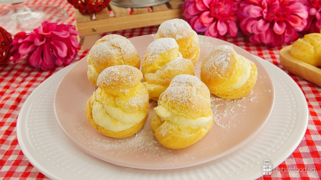 Durian-Puff-dish-closeup
