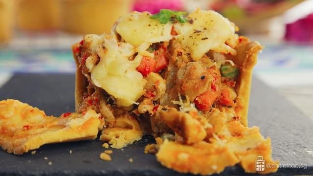 TomYumChickenPie-delicious-butter-crust