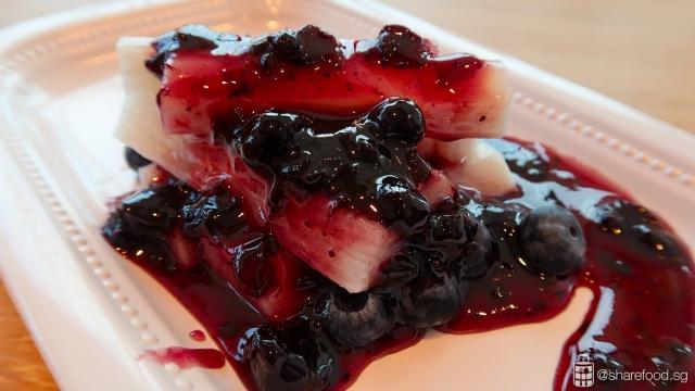 DianXiaoEr-chinese-yam-blueberry-sauce