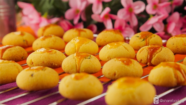Salted Egg Yolk Cookies Close up