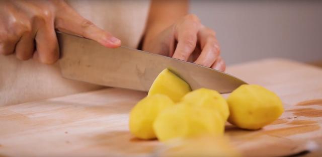 Cut the potatoes into big equal chunks
