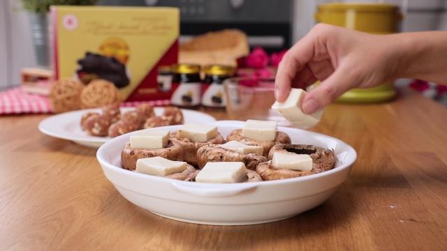 Stuffing portobello mushroom with Japanese tofu squares