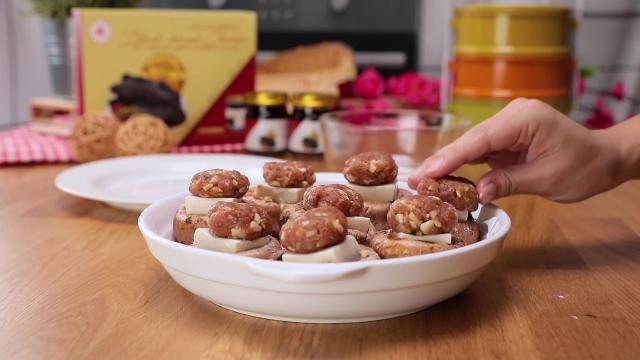 Stuffed portobello mushrooms with Japanese tofu and minced pork