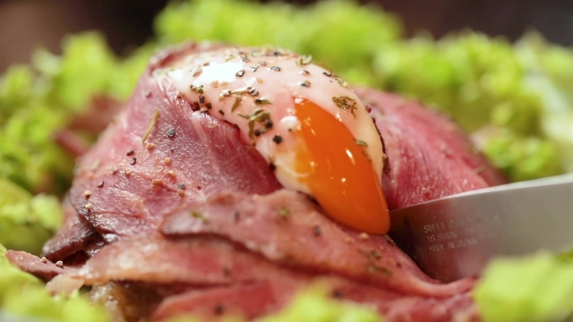 Jimbocho Roast beef with onsen egg