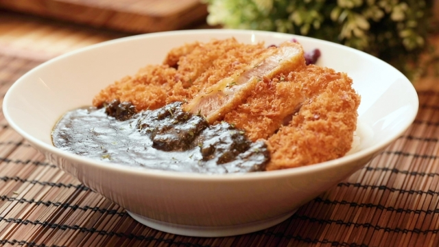 Pork loin cutlet curry with rice