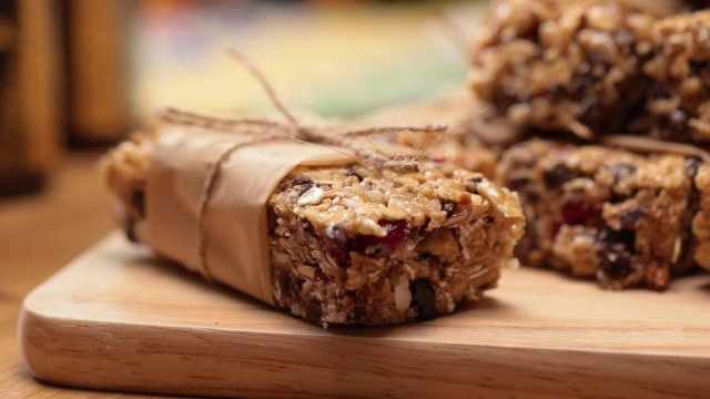No-Bake Granola Bar with Manuka Honey