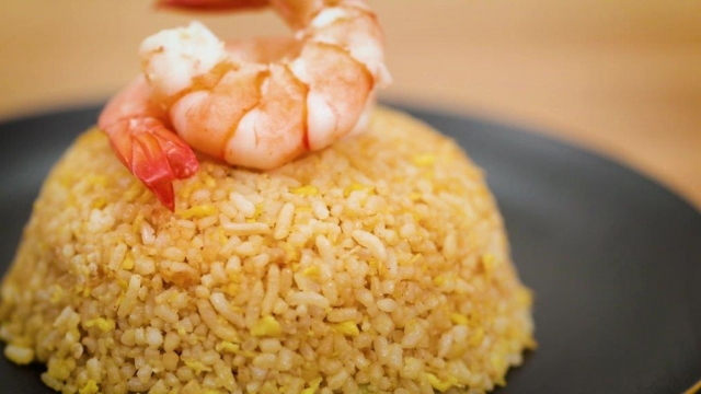 3 easy asian rice dishes egg fried rice with prawns
