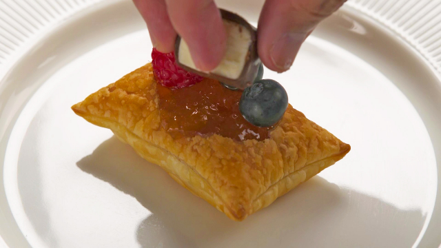 Topping puff pastry with fruits and LAKTO cheese curd bar
